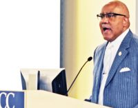 Bumphus inspires area educators
