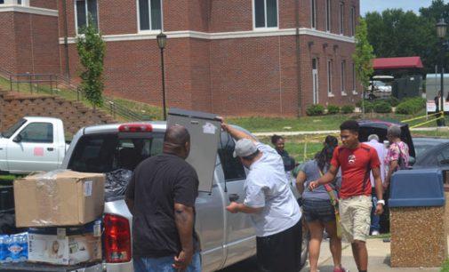 WSSU welcomes 900 freshmen