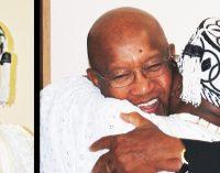 King of Nigerian city  dedicates crown to Bob Brown