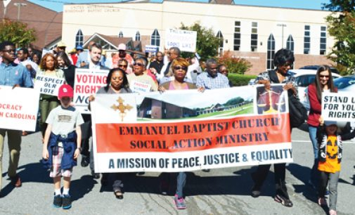 Sunday voting rally attracts hundreds