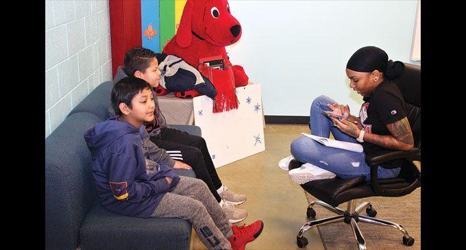 Nonprofit meets new crop of mentors