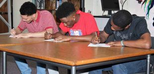 3 Parkland High School basketball players sign letters of intent to play at prep school