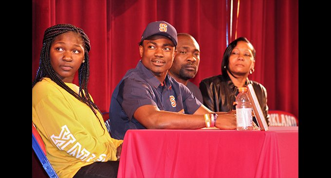 Parkland star linebacker signs letter of intent