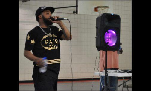 Rapper performs for kids at rec center